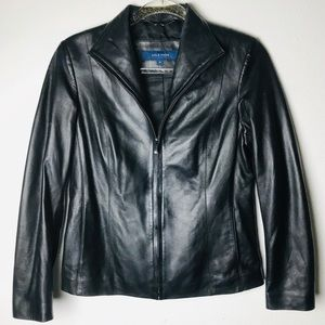Cole Haan black Lamb skin jacket with pockets 6P